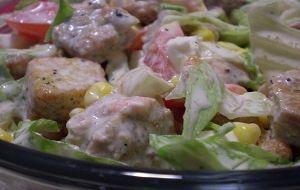 sarımsaklı salata sosu