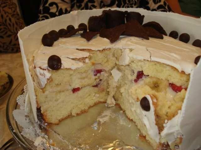 Beyaz çikolatalı pasta yapımı