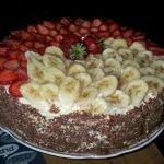 Kremalı çilekli yaş pasta