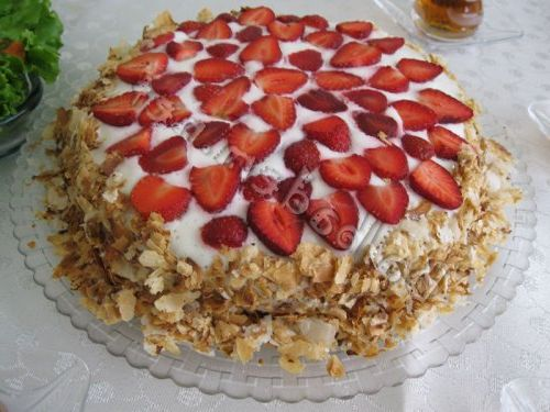 kremalı yaş pasta