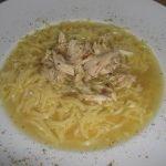 Tel şehriyeli tavuk çorbası