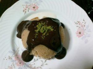 Çikolatalı dondurmalı irmik helvası