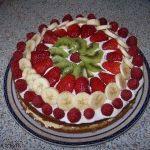 Meyve şöleni pastası