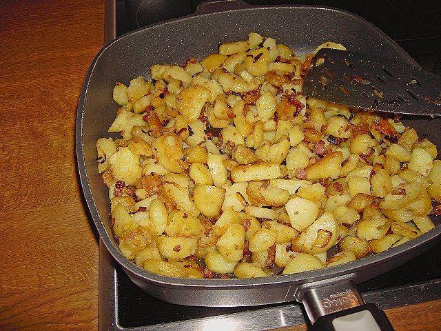 Yumurtalı patates yapımı