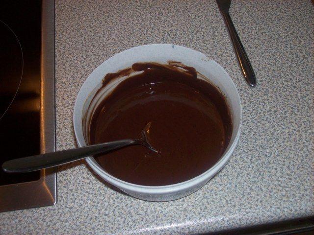 Çikolata soslu kurabiye yapımı