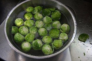 Brüksel lahanası haşlama