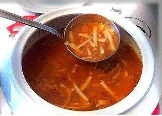 Erişte çorbası yapımı