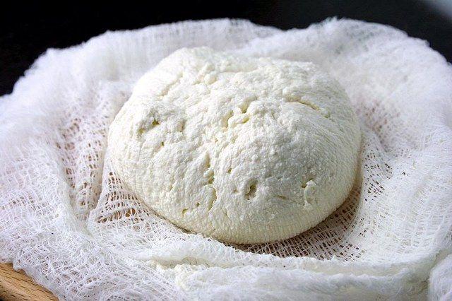 Ev yapımı peynir