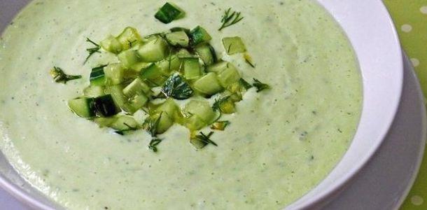 Avokado çorbası