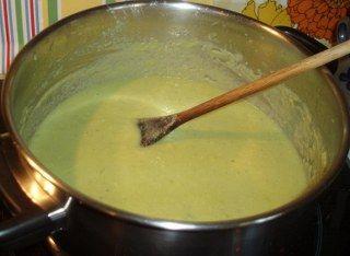 Avokado çorbası yapımı