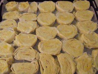 Patatesli rulo börek yapımı